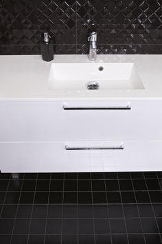 House2 kylpyhuone - bathroom Double Vanity, Sink, Bathtub, Bathroom, Home Decor, Sink Tops, Standing Bath, Washroom, Vessel Sink
