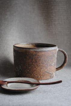 林拓児「化粧焼き締めマグカップ(太)」の詳細ページです。