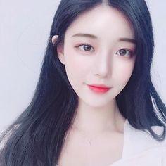 ㄱㅕ울왕국 ❄️ Korean Beauty Girls, Cute Korean Girl, Asian Beauty, Korean Face, Girl Korea, Grunge Girl, Japanese Beauty, Beautiful Asian Girls, Ulzzang Girl