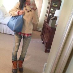 Boots, sweater, shirt, jeans--great for a fall day. How to look gorgeous in Bean Boots via @ MrsCocoWyse Bean Boots Outfit, Winter Boots Outfits, Fall Outfits, Preppy Outfits, Outfit Winter, Fall Boots, Outfit Ideas, Fall Jeans, Duck Boots