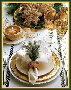Gold Table Decorations | Gold Christmas Table Decorations