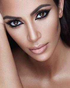 Not a Kim fan, but love this makeup.