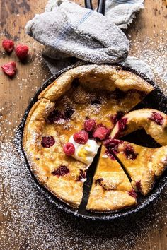 Raspberry Lemon Ricotta Dutch Baby –> Saturday night breakfast for dinner because that's what my mom taught me to do. She's the BEST and BRIGHTEST and trust me, this Dutch Baby… Brunch Recipes, Breakfast Recipes, Summer Recipes, Baby Recipes, Breakfast Ideas, Crepes, Lemon Ricotta Pancakes, Breakfast And Brunch, Sunday Brunch