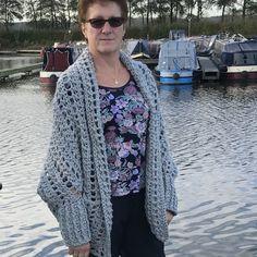 The Dwell Sweater Crochet pattern by Jess Coppom Fast Crochet, Crochet Fall, Christmas Knitting Patterns, Crochet Patterns, Weekender, Double Crochet, Chunky Crochet, Make And Do Crew, Universal Yarn