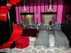 How to make a Monster High Doll House