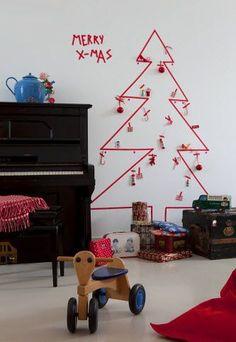 Sapin de Noël en ruban adhésif -