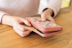 食費が月2万円台にスリム化!家計簿が苦手でも成功した「献立ノート」とは Playing Cards, Playing Card Games, Game Cards, Playing Card