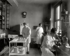"Washington, D.C., circa 1920. ""Emergency Hospital, interior."""
