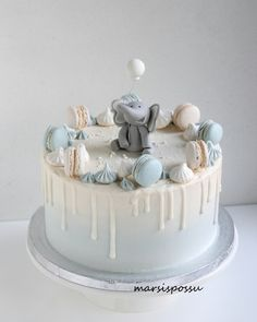 Baby Shower Cakes For Boys, Baby Boy Cakes, Baby Boy Christening Cake, Baby Boy 1st Birthday Party, Baby Birthday Cakes, Gateau Baby Shower, Pretty Birthday Cakes, Cake Decorating Techniques, Drip Cakes