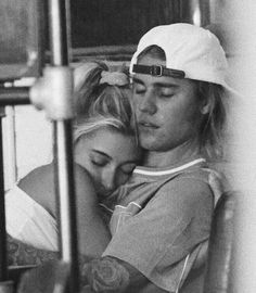 Find images and videos about couple, justin bieber and justinbieber on We Heart It - the app to get lost in what you love. Justin Hailey, I Love Justin Bieber, Celebrity Memes, Celebrity Couples, Cute Relationship Goals, Cute Relationships, Hailey Baldwin, Couple Goals Cuddling, The Love Club