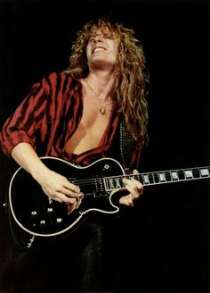 John Sykes > Thereal guitarist behind Whitesnake's success Thin Lizzy, Whitesnake Band, Rock Music, My Music, Music Life, David Coverdale, 80s Hair Bands, Best Guitarist, Les Paul Custom