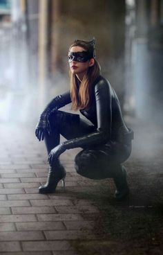 People Catwoman Anne Hathaway The Dark Knight Rises CGI render catsuit women Catwoman Cosplay, Batman Et Catwoman, Cosplay Gatúbela, Catwoman Outfit, Catwoman Makeup, Batgirl, Catwoman Drawing, Catwoman Mask, The Dark Knight Trilogy