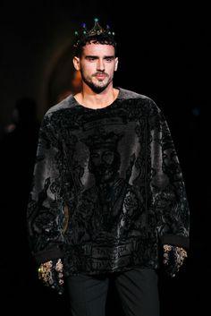 Dolce & Gabbana Fall 2014 Menswear Fashion Show Details Pop Art Fashion, High Fashion, Fashion Show, Mens Fashion, Fashion Outfits, Fashion Design, Fashion Trends, Mode Costume, Vogue Paris