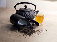 Different types of Tea Plants, the most known Tea Varieties, health benefits for each specific type of tea, and the best Tea Brands for sale in Best Earl Grey Tea, Chai Tea Benefits, Health Benefits, Best Tea Brands, Tea Wallpaper, Sencha Tea, Darjeeling Tea, Tea Varieties, Tea Blog