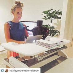 The beautiful @hayleyroperlovemybody is loving her new Pro Plus 36 the White really adds a nice classy touch to her set up! Here's what she had to say...  Apparently we're killing ourselves by sitting all day! Sitting all day can attribute to a range of health problems such as diabetes obesity and even cancer.  Even though I have a very active job I still have to spend a lot of time on emails and doing admin.  Enter the @standwithvarideskau which is really functional easy to set up and…