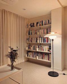 Living Room Modern, Living Room Interior, Room Decor Bedroom, Living Spaces, Home Room Design, House Design, Living Room Tv Unit Designs, Hygge Home, Minimalist Home Interior