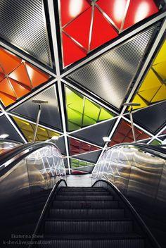 Estação metroviária em Moscou, Rússia.  Fotografia: Ekaterina Shevi.