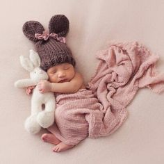 New ideas for newborn photography: newborn / Easter pictures. - New ideas for newborn photography: newborn / Easter pictures. Foto Newborn, Newborn Baby Photos, Newborn Shoot, Newborn Baby Photography, Newborn Pictures, Baby Girl Photos, Small Baby Pictures, Cute Babies Newborn, New Baby Photos