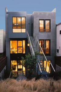Fitting large houses onto narrow lots has been a consistent challenge for San Francisco architects for more than a century.