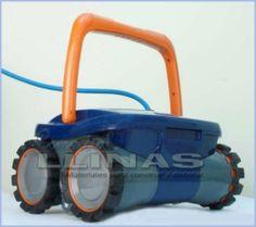 #Limpiafondos automático 4 x 4, para piscina standard. https://tienda.comerciallinas.com/epages/eb3258.sf/seccc95595ba1/?ObjectPath=/Shops/eb3258/Products/AST54440B17