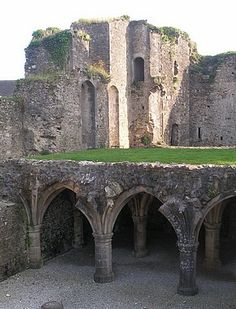 Bricquebec Castle-Myth has it that in 1270 the Knights Templar, who already had numerous other possessions in the area, founded a commandery in the castle, based on the architectural layout of the castle.