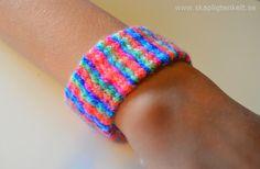 Väv på en kartongbit Bokmärke Armband