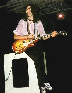 Jimmy Page - Led Zeppelin - 1969 Jimmy Page, Jimmy Jimmy, Robert Plant, Led Zeppelin, Great Bands, Cool Bands, John Paul Jones, John Bonham, Whole Lotta Love