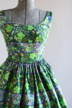 Vintage 1950s Dress / 50s Cotton Dress / TORI RICHARD Green Floral Print Sun Dress XS/S