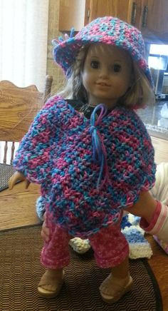 Crochet American Girl Hat and Poncho for Matty. Crochet Doll Dress, Crochet Doll Clothes, Knitted Dolls, Girl Doll Clothes, Girl Dolls, Ag Dolls, American Girl Crochet, American Doll Clothes, Girl With Hat
