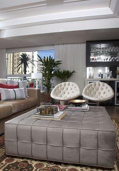 1000 images about sala on pinterest arquitetura mesas - Mesa de centro con puff ...