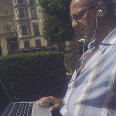 Revisando mis #Campañas en #FacebookAdds al #Calor del #Sol #EmprendedoresOnline #EmailMarketing #MarketingDigital #MarcaPersonal