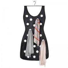 O Porta Cachecol e Lenço Vestido organiza suas cachecóis e lenços de uma maneira inteligente e criativa. Com design elegante e criativo seus acessórios ficarão sempre organizados e com estilo.