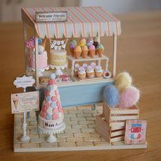 miniature dollhouse Miniature Shop Cake Dollhouse By Noecoro by diann Miniature Shop Cake Dollhouse By Noecoro by diann Doll Crafts, Cute Crafts, Diy And Crafts, Paper Crafts, Miniature Crafts, Miniature Food, Miniature Dolls, Polymer Clay Miniatures, Dollhouse Miniatures
