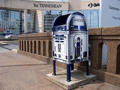 In honor of Star Wars 30th anniversary, U.S. Postal Service has placed special R2-D2 mailboxes around the country. Description from majelelo-india.blogspot.com. I searched for this on bing.com/images
