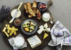 Laventeli ja viinitarhat. Auringon paiste maistuu Provencen herkuissa. Täällä kaikki on tuoretta, kuivaa ja mausteista, mikä onkin tehnyt maailmankuuluksi käsitteen