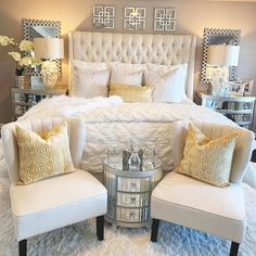 53 simple bedroom design ideas for beauty accents in your decoration! Simple Bedroom Design, Luxury Bedroom Design, Master Bedroom Design, Interior Design, Interior Decorating, Room Ideas Bedroom, Home Decor Bedroom, 60s Bedroom, Luxurious Bedrooms