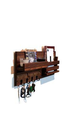 40e81ee2fab0 Ferme rustique murale Wall Mount organisateur, porte courrier et étagère.  Personnaliser avec des crochets jusqu à 5   20 couleurs de Décor renouvelé
