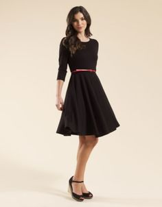 Simple office look: little black dress + red belt