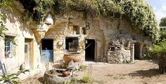 Cave home in France - a beautiful mixture of the modern and the ancient