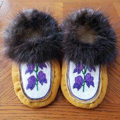 Monkshood Moccasins with Beaver Fur Trim by Alaska Beadwork! Native Beading Patterns, Beaded Moccasins, Slipper Boots, Beading Ideas, Bead Art, Fur Trim, Alaska, Slippers, Beads