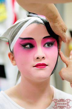Chinese opera. Beautiful.