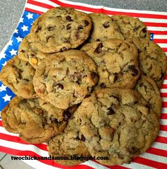 twochicksandamom: Candy Bar Cookies (Or a Little Bit of Everything) Candy Bar Cookies, Cookie Bars, Play Food Set, Sweets, Healthy Recipes, Desserts, Diets, Food, Food Game