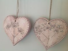 Hand made wooden hearts, painted with Annie Sloan chalk paint, inspired by cow parsley. www.facebook.com/BureChic