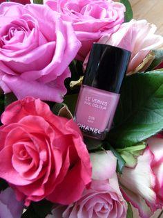 Vernis à ongle Chanel - 535 May - nail polish Chanel - bouquet de roses - fleurs - spring - printemps - éditions limités.