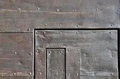 puerta remaches