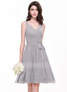 A-Line/Princess V-neck Knee-Length Chiffon Bridesmaid Dress With Ruffle Bow(s) (007068152)