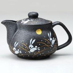 Amazon.com | I rabbit Kutani pottery teapot pot (with tea strainer): Teapots