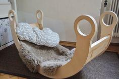 Die Schaukelwippe aus Holz ist mehr als Spielzeug! Sie ist ein wundervolles Möbel, eine feine Ruheoase und macht Lust auf Spiel!