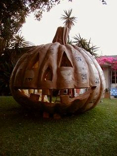 The Fright Gallery 2001 - PAPPY & POLLY'S PUMPKIN PATCH
