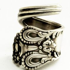 Spoon Ring Vintage Victorian Rose Sterling Silver Ring by Spoonier Spoon Jewelry, Spoon Rings, Metal Jewelry, Jewelry Box, Antique Engagement Rings, Antique Rings, Vintage Rings, Vintage Jewelry, Vintage Clothing